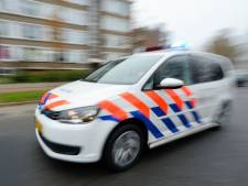 Politieauto bekogeld met zwaar vuurwerk in Vinkeveen: 'Dit is echt niet te tolereren'