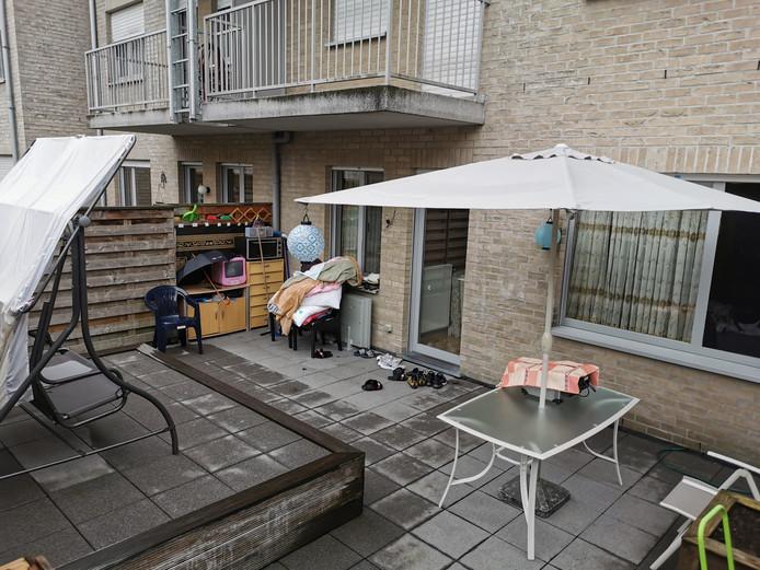 Flor V. (63) moest buiten op het terras wonen.