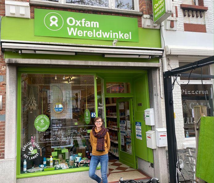 De Oxfam Wereldwinkel in Aarschot, momenteel nog in de Gasthuisstraat 45, met Tine Kockaerts.