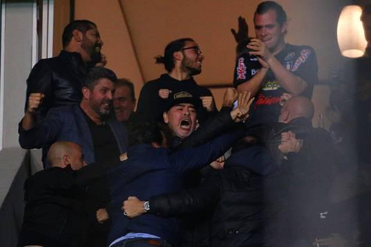 Zeer Stoppen slaan door bij Maradona na mislopen promotie | Offside | AD.nl OF33