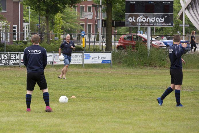 Veel nieuwe gezichten komend seizoen voor SV Rijssen-trainer Gerald Willems.