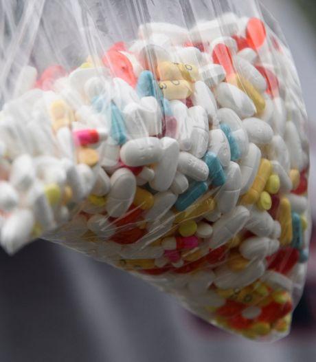 Broers aangehouden na vondst 7 kilo drugs in woning in Sint-Kruis: straatwaarde 150.000 euro