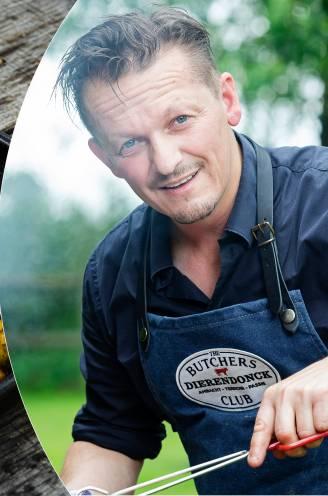 """Hoe bak je kip perfect op de barbecue? Topslager Hendrik Dierendonck geeft advies: """"Wrijf de kruiden na het marineren grof af, anders gaat het verbranden"""""""