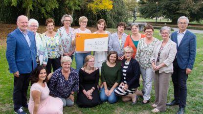 CD&V-vrouwen geven cheque aan Koester