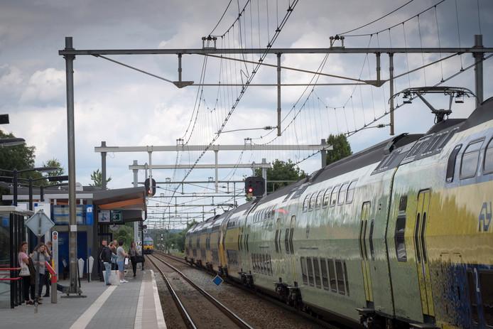 Station Elst.