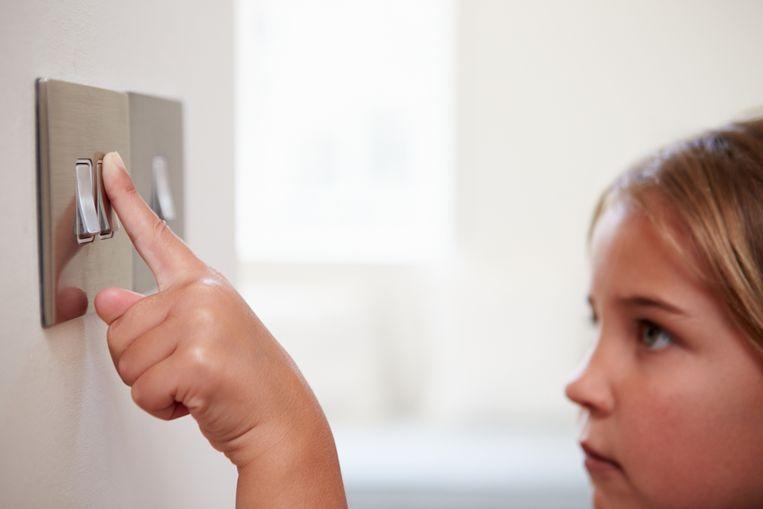 Elektriciens voorzien woningen van bekabeling, zodat u overal werkende stekkers en lichtknopjes hebt. Beeld Shutterstock