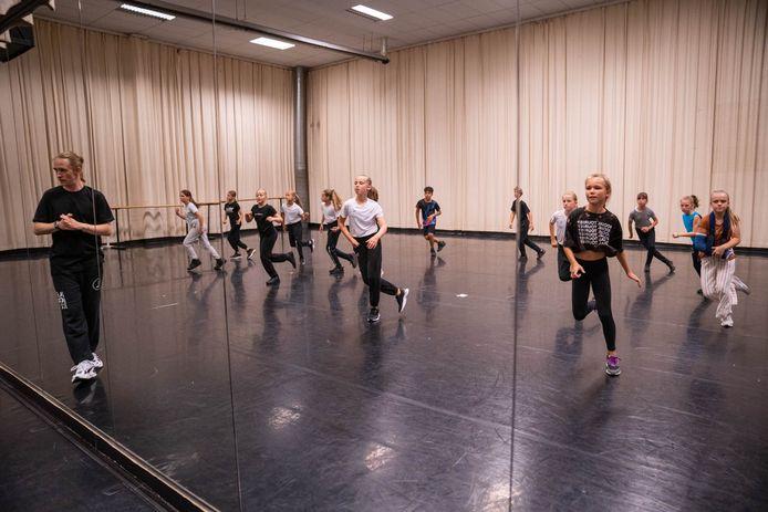 Een dansles van Studio Dansemble in Schelle.