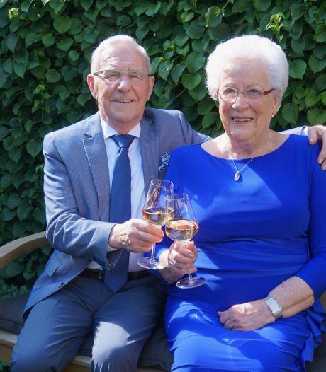 Zomercarnaval bracht Harry en Riek samen, nu zijn ze 60 jaar getrouwd