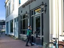 Utrechts '4 sterren-azc' versoberd: Nespresso-apparaten en schilderijen verwijderd