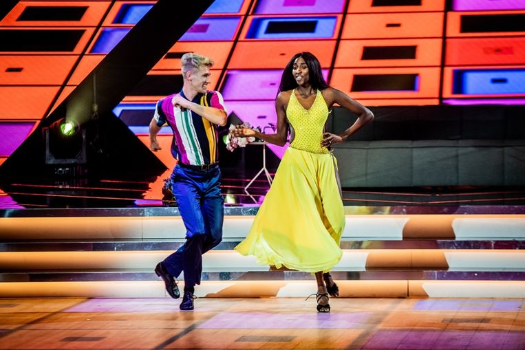 Elodie Ouedraogo in 'Dancing with the Stars'. Beeld SBS