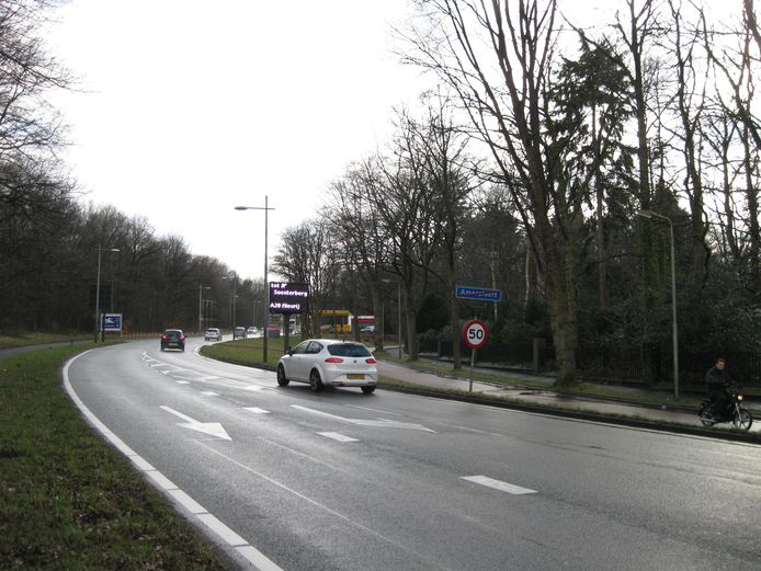 Een deel van het tracé waar de westelijke rondweg op moet worden aangelegd.