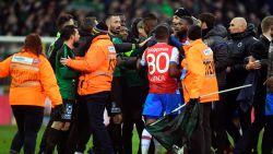 """Brugse derby ontaardt met groen-zwarte vlag op middenstip: """"Wie doet zoiets nu na een draw?"""""""