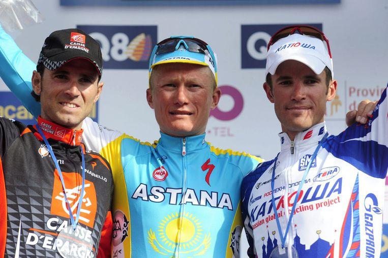Alexandre Vinokoerov in 2010 na de de winst van de klassieker Luik-Bastenaken-Luik. Rechts Alexandr Kolobnev. Beeld afp