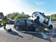 Flinke ravage na zwaar ongeval op A16 bij Hazeldonk