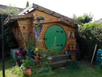 Ikea-thuiswerker bouwt Hobbit-huisje in achtertuin
