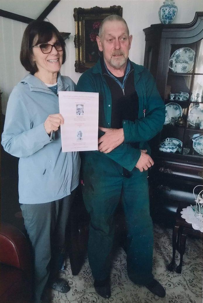Hans Bogerd uit Leerdam met zijn Amerikaanse bloedverwante Polly Thompson tijdens haar bezoek aan Nederland in 2018
