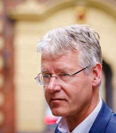 Minister Slob niet onder de indruk van alarm over lerarentekort