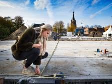Woningen in centrum Leende binnen week verkocht; toekomstige bewoners leren elkaar kennen op bouwplaats