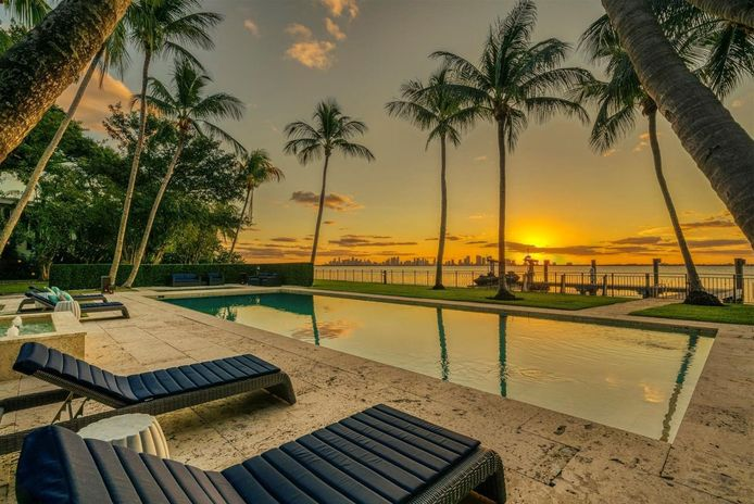 Een blik op de villa van Phil Collins.