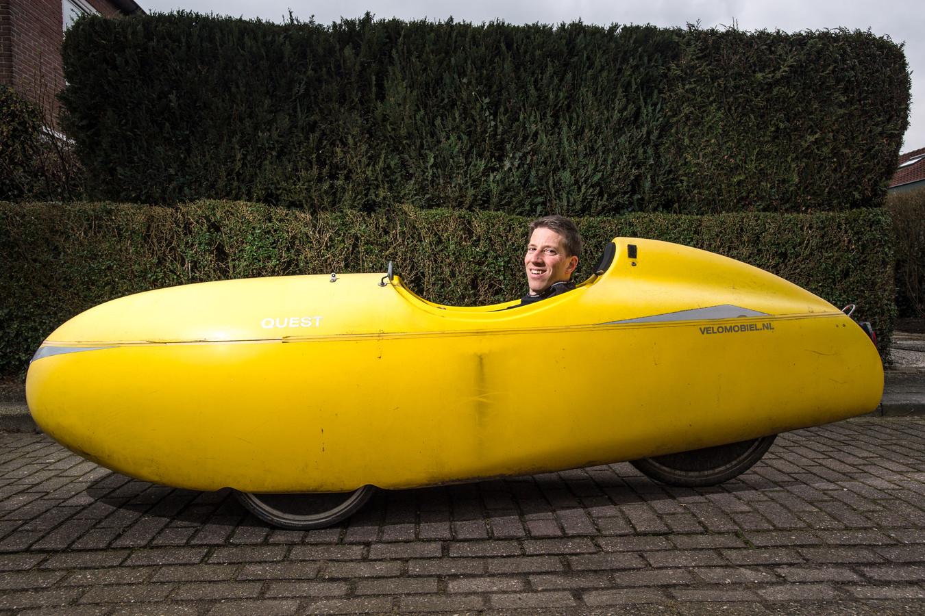 Hanno Krijgsman van GroenLinks  als een speer in zijn gele banaan.