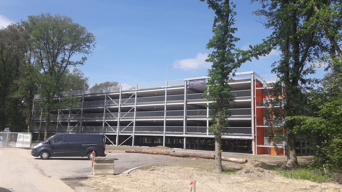 De parkeergarage van Brainport Industries Campus aan de Landsard.