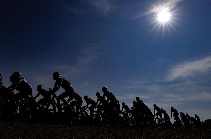 Ondanks de coronacrisis scheen in veel koersen toch de zon voor het wielerpeloton.