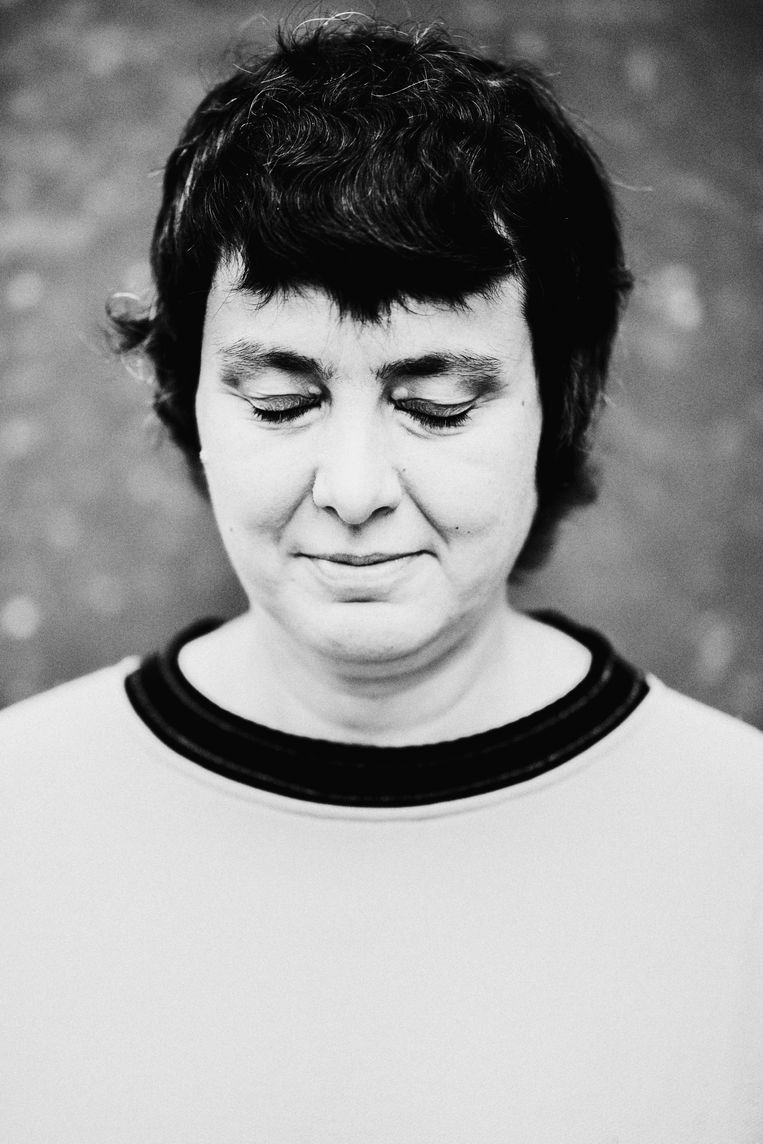 Liesbeth Van Impe: 'Het idee dat je houding bepaalt of je geneest of niet... Je zegt tegen iemand met hartproblemen toch ook niet: positief denken, dan zal je geen hartaanval krijgen!' Beeld Stefaan Temmerman