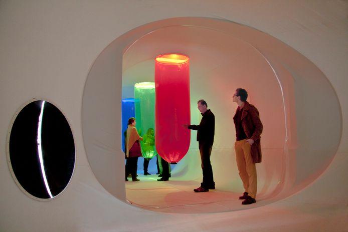 Sound of Light is een 25 meter lange tunnel waar mensen doorheen kunnen wandelen. Bovenop de tunnel is een geavanceerde camera die lucht en zonlicht omzet in geluiden.