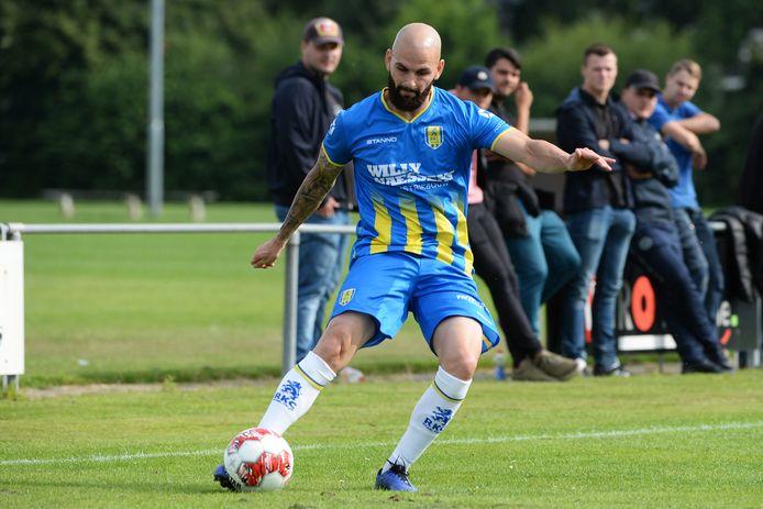 Hans Mulder maakt zich mogelijk op voor een nieuwe periode bij RKC Waalwijk. De Waalwijkse club is met hem in gesprek.