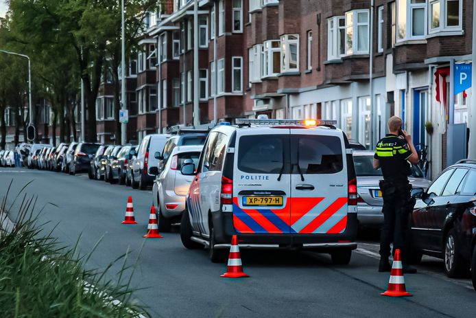 Een automobilist is vanavond aangehouden na het veroorzaken van een aanrijding op de Westduinweg.