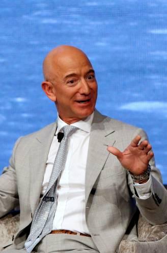 """""""Kinderdroom die uitkomt"""" zal welgeteld tien minuten duren: Bezos gaat mee de ruimte in op eerste passagiersvlucht van zijn raket"""