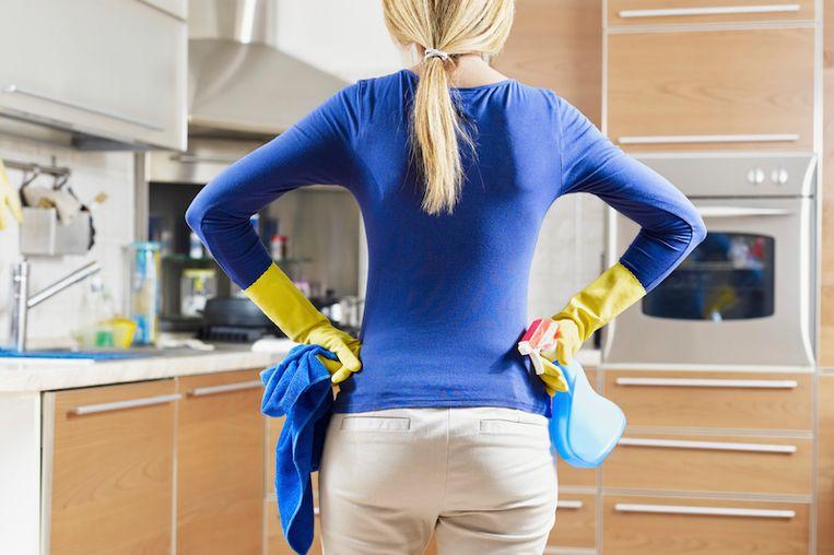 Man klaagt vrouw aan omdat ze niet kookt en schoonmaakt