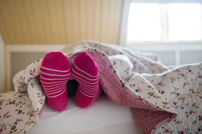 De meeste mensen die met het coronavirus besmet raken ervaren lichte klachten of moeten een paar dagen doorbrengen in bed.