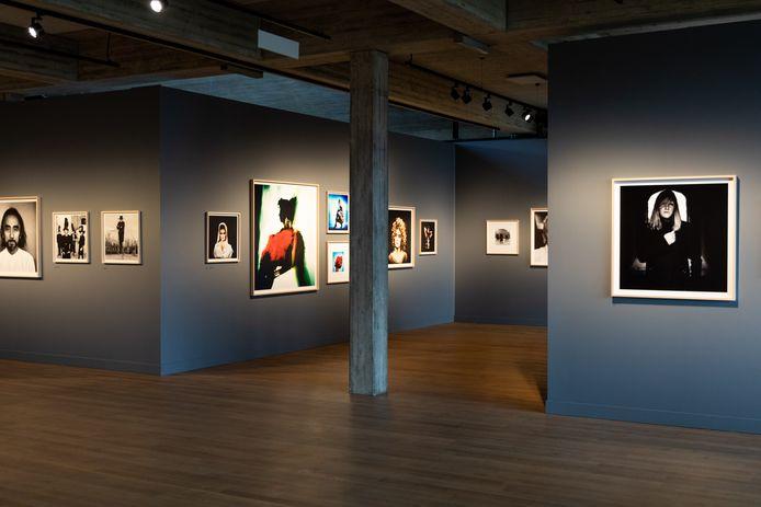 Expo MOØDe van Anton Corbijn,in Cultuurcentrum Scharpoord in Knokke-Heist.