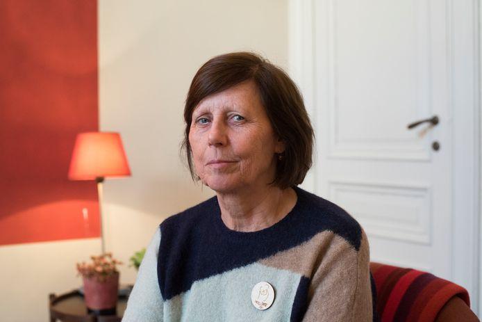 Ingrid De Jonghe, voorzitster TEJO Antwerpen en TEJO Vlaanderen in haar privépraktijk bij haar thuis.