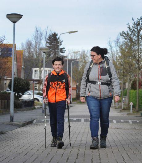 Levi bereikt oma in Vught na 7 dagen wandelen: 'Ik moest bijna huilen toen ik haar zag'