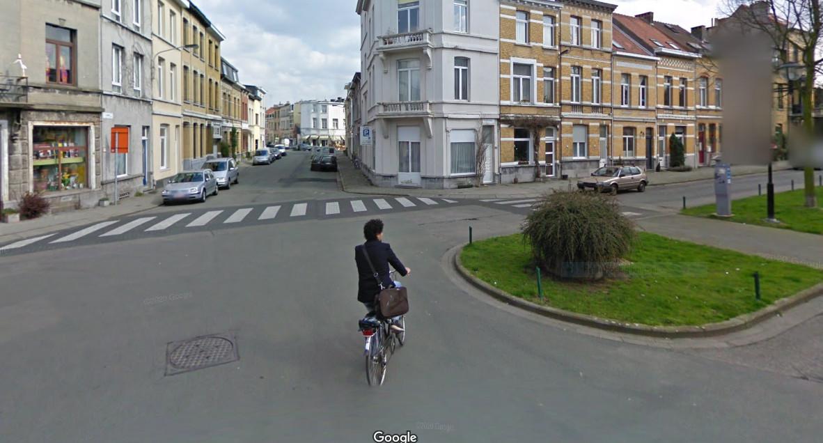 Deze doorsteek tussen de Victor Jacobslei en de Laurierstraat (bovenaan foto) wordt voor auto's dichtgemaakt.