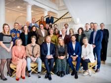 Marieke Lucas Rijneveld en Yvette van Boven lunchen met koningspaar