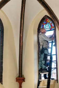 Velpse kerk krijgt nieuwe glas-in-loodramen: voortzetting van eeuwenoude traditie