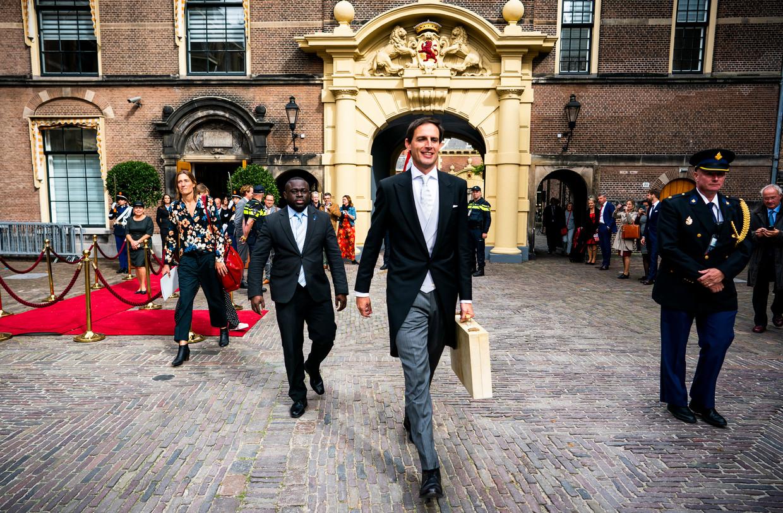 Minister Wopke Hoekstra van Financiën met het koffertje tijdens Prinsjesdag. Beeld Freek van den Bergh / de Volkskrant