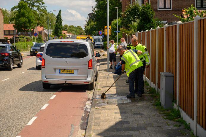De vechtpartij tussen S. en de bestuurder van een bestelbus vond plaats op de Chrysantstraat in Woerden.