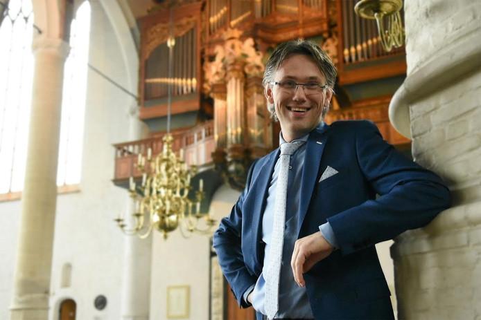 Marco den Toom is bekend als organist van het Kamper mannenkoor Door Eendracht Verbonden (D.E.V.).