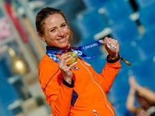 Eerste olympische medaillewinnaars gehuldigd in zonnig Scheveningen: 'Heerlijk, schitterend!'