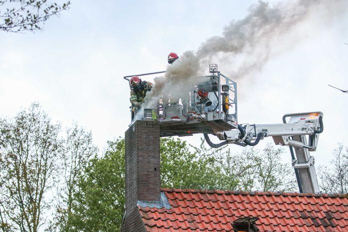 Schoorsteenbrand in Tollebeek.