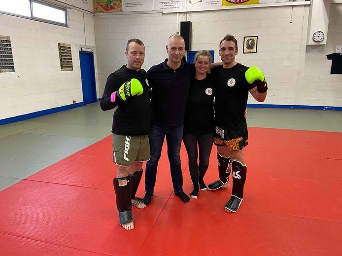 Op 3 maart start de nieuwe kick- en thaiboksclub 'Sukhothai Gym' in Zoersel. V.l.n.r: trainer Nick Helsen, voorzitter Sammy Martens, penningmeester Jindra Storms en tweevoudig wereldkampioen thaiboksen Jan van Denderen.