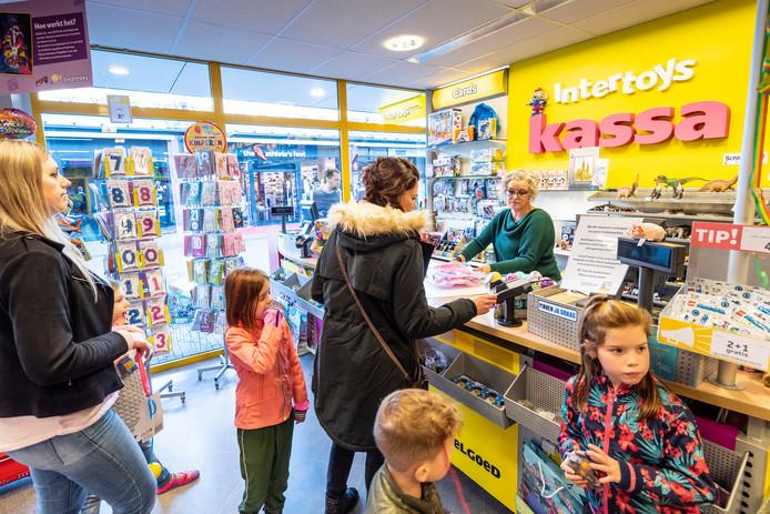 Zondag is de laatste dag dag kadobonnen kunnen worden ingeleverd in de winkel van Intertoys.