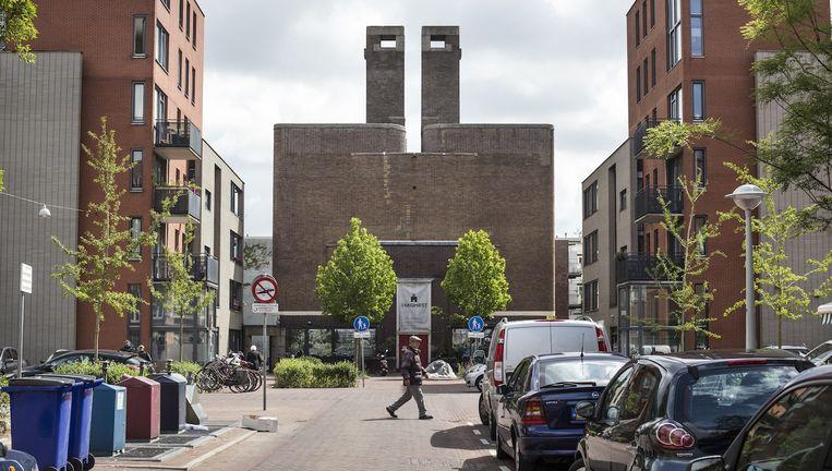 Het voormalige schoolgebouw waar tegenwoordig de creatieve verzamelplek MidWest huist. Beeld Floris Lok