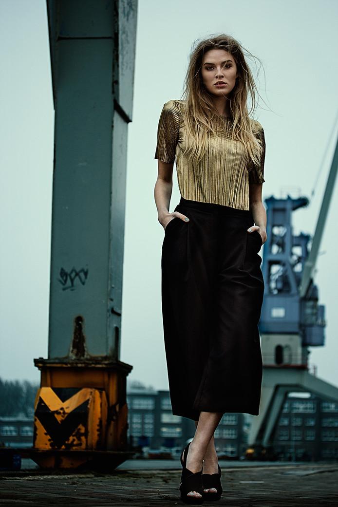 Model: Daniëlle @ Elite Models, Make-Up&Haar: Wout Philippo, Styling: Maureen Cloesmeijer