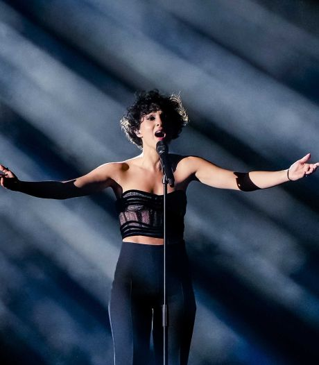 Barbara Pravi niet bedroefd dat ze tweede werd op songfestival: 'Blij dat ik niet gewonnen heb'