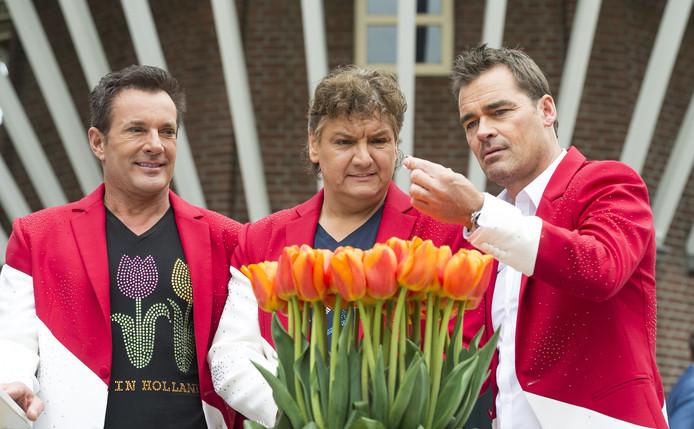 Geer, René en Jeroen dopen de 100% NL-tulp.